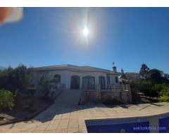 Kiralık Havuzlu villa Girne Alsancak Oris Beach Bölgesinde